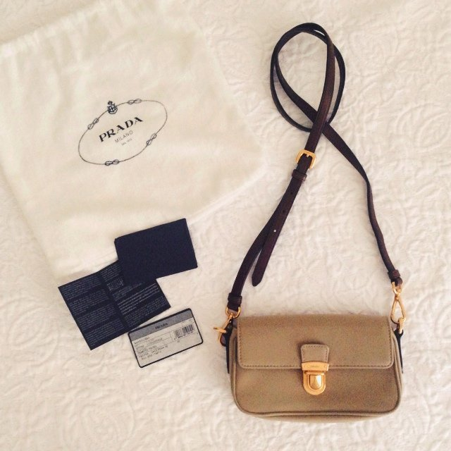 a9fa93e6c1fe prada pochette in canvas marrone