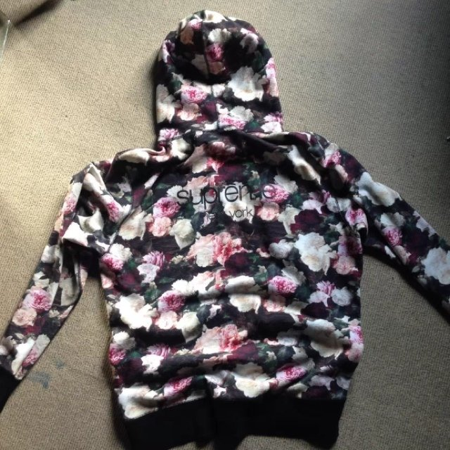 Supreme pcl floral hoodie - size ... | Vicky Grout | Depop
