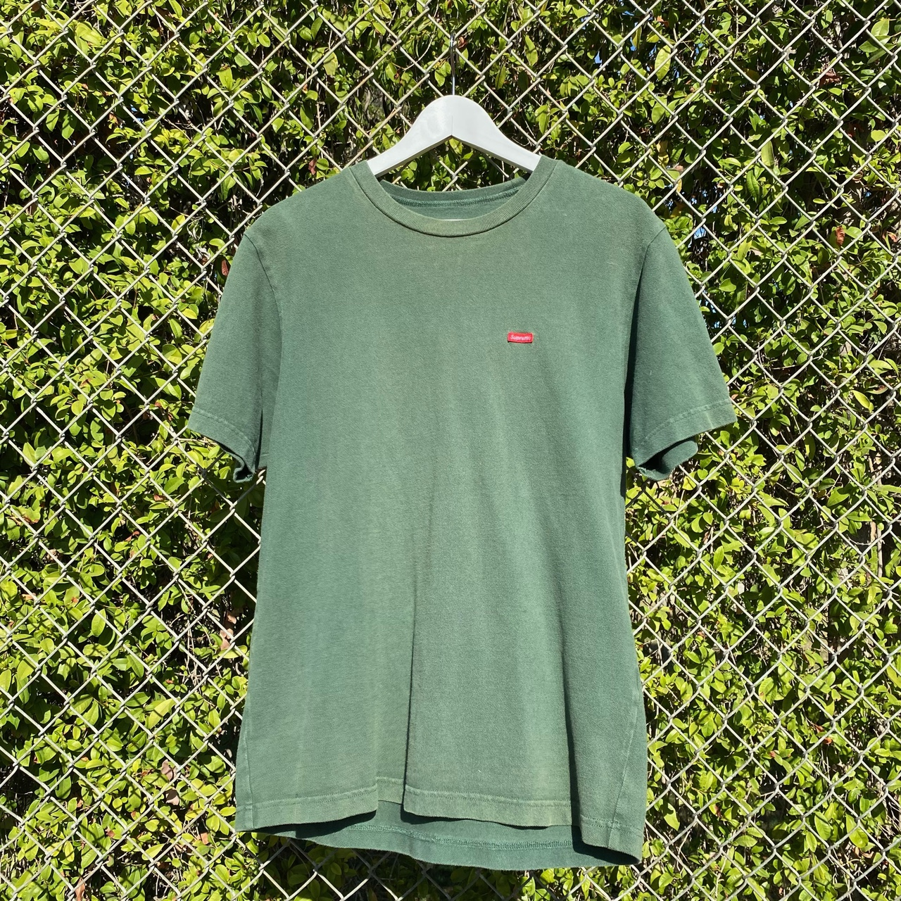 Product Image 1 - Supreme Tee Size Small but fits