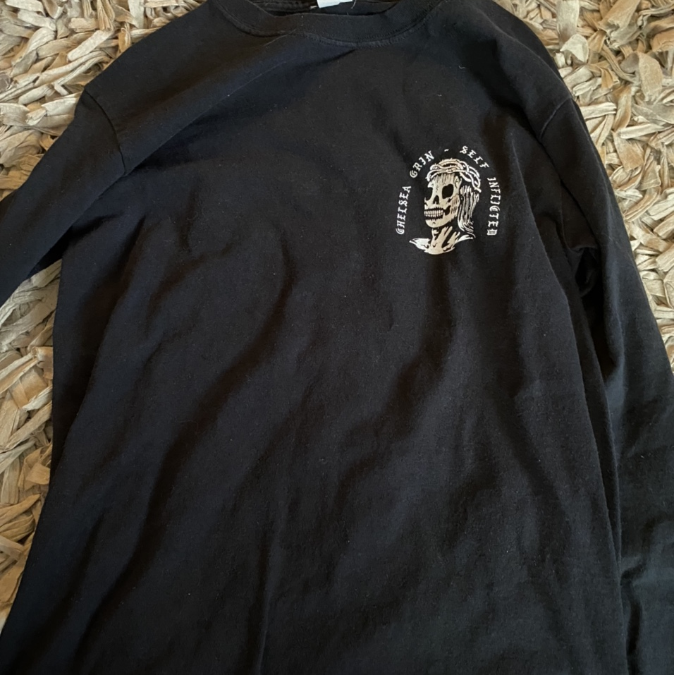 Product Image 1 - size small chelsea grin shirt.