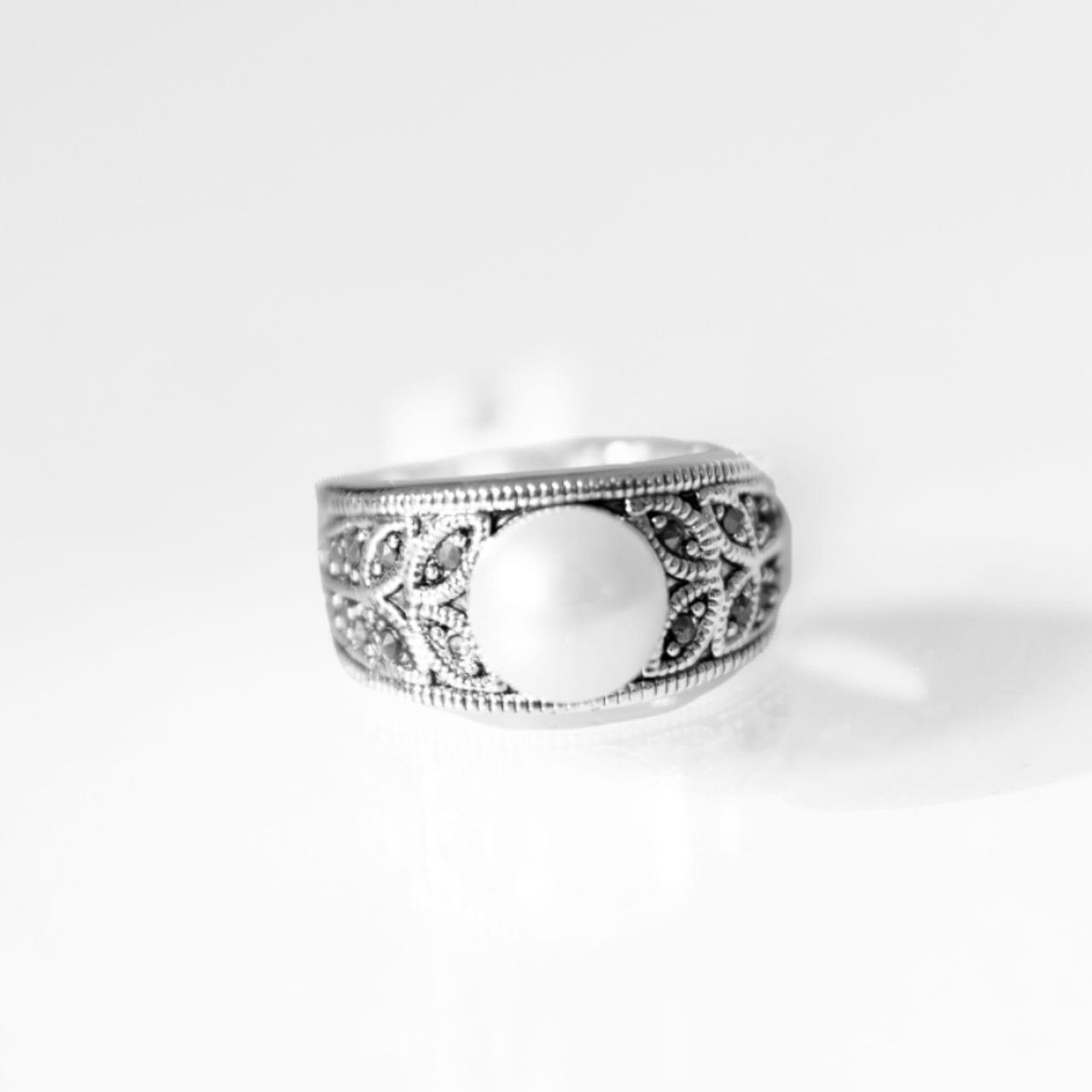 Product Image 1 - Silver cocktail ring sterling pearl
