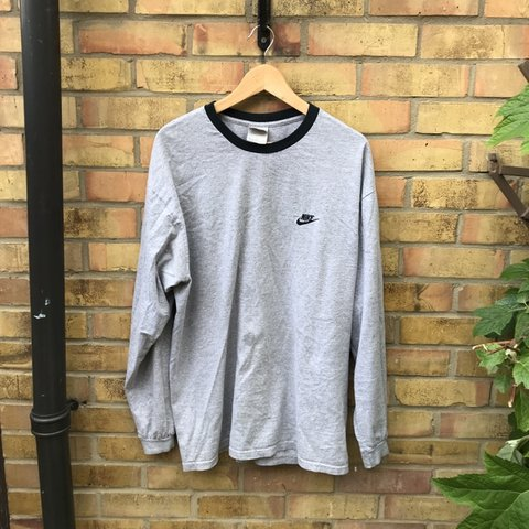 efe6a4ad Nike long sleeved grey top. Great shirt with a nice baggy my - Depop