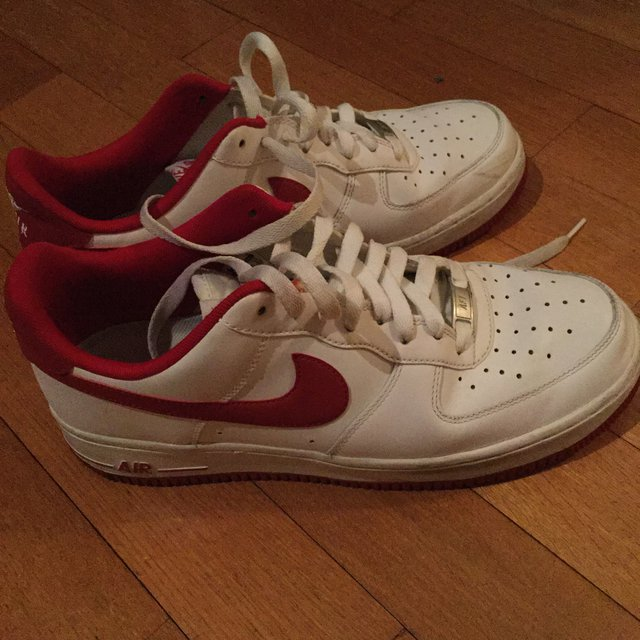 Nike air force 1 bianche con baffo rosso tutte in... - Depop