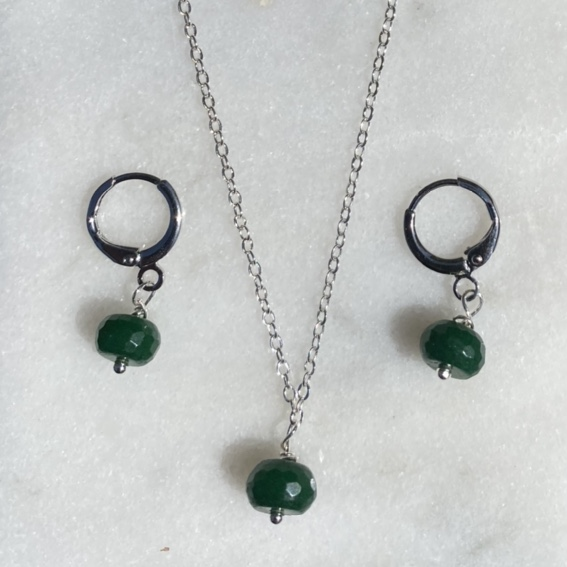 Product Image 1 - Sterling silver plated necklace set.