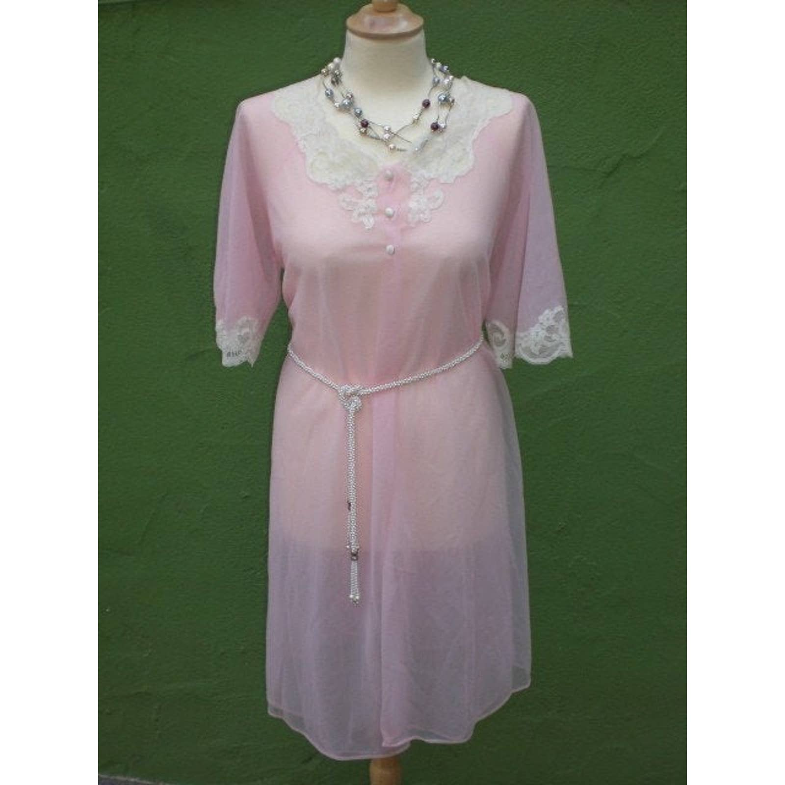 Product Image 1 - Here is a light pink