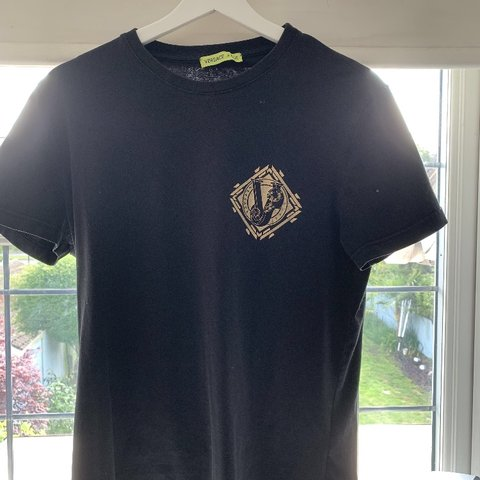 e71fe691c Versace Jeans T-shirt/Tee• size large but comes up smaller• - Depop