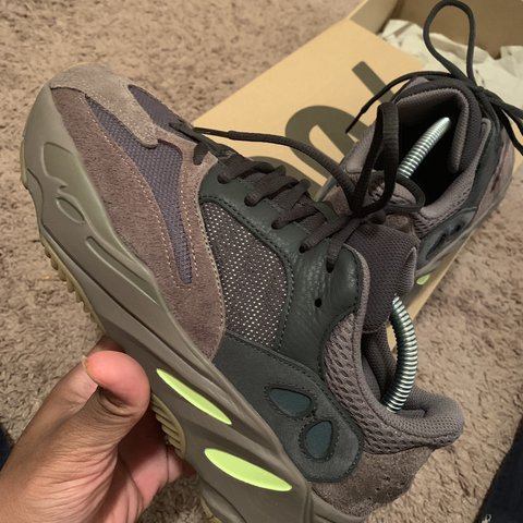 "96e3d075 @kail228. in 2 hours. Gulfport, United States. Yeezy Boost 700 ""Mauve"" Size  7.5 worn 3 times so these can ..."