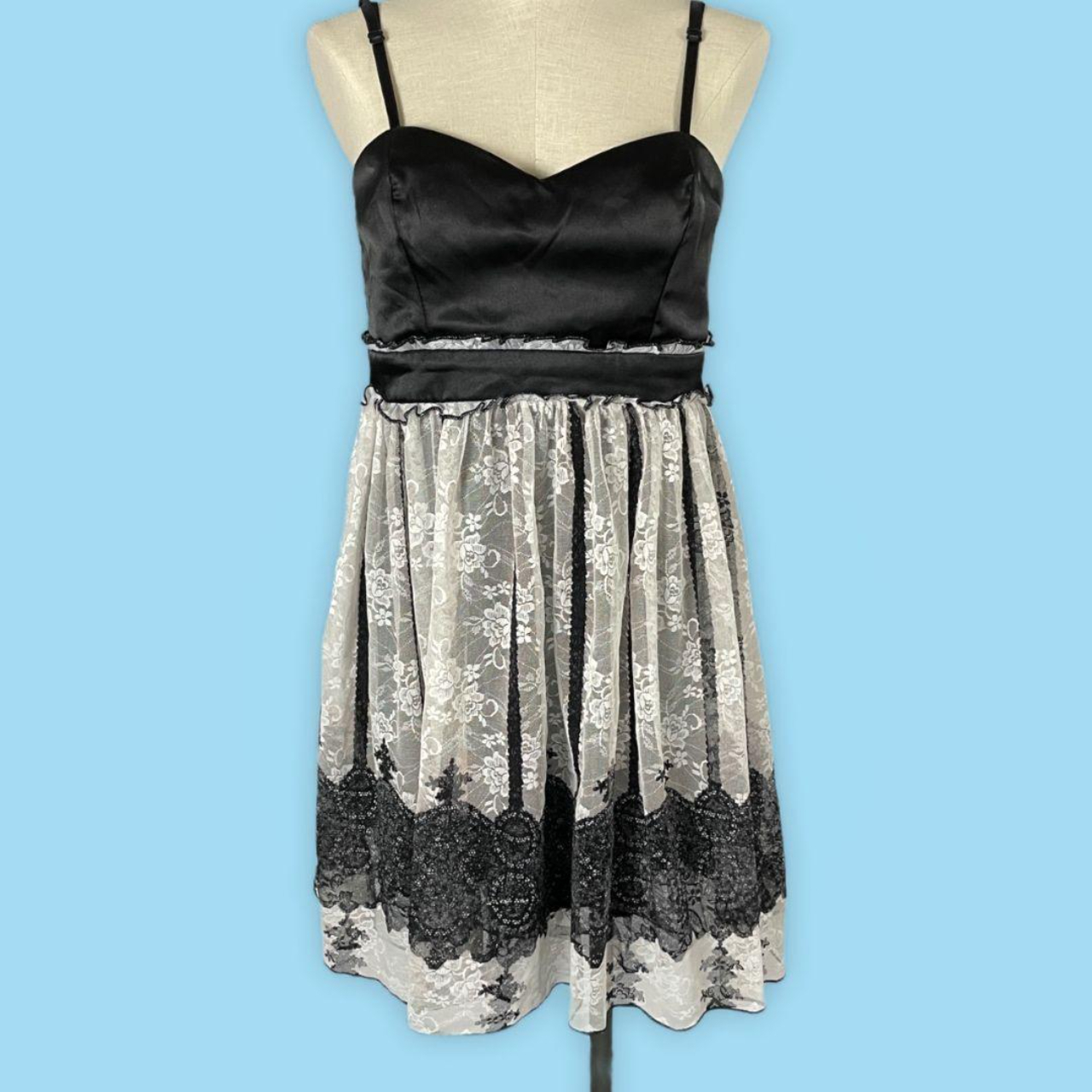 Product Image 1 - Lace Puff Dress  Black and White