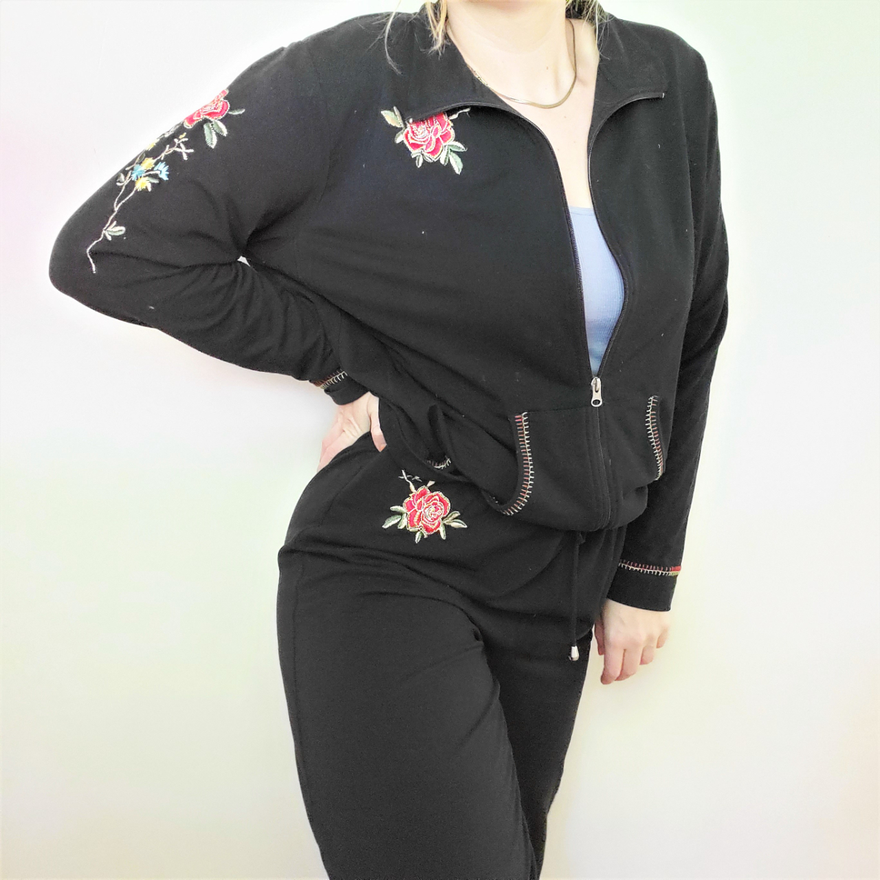 Product Image 1 - Relax in this comfortable and