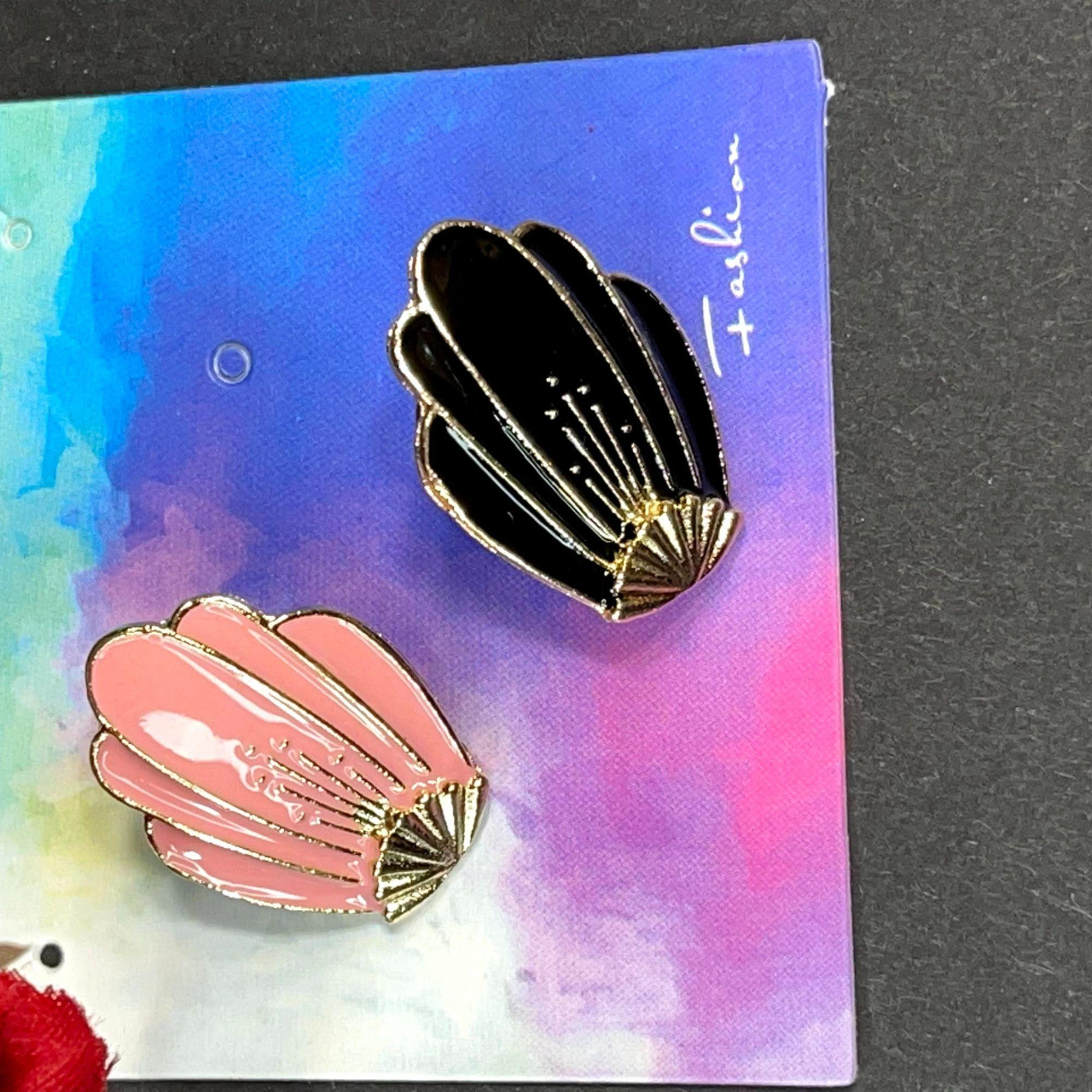 Product Image 1 - Pink and Black Clam Shell