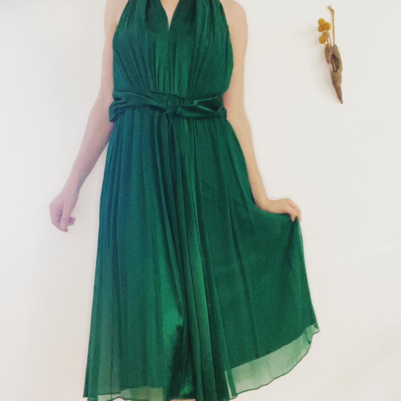 Product Image 1 - maggy london green halter cocktail