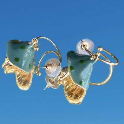 Product Image 1 - Green and gold mushroom earrings!