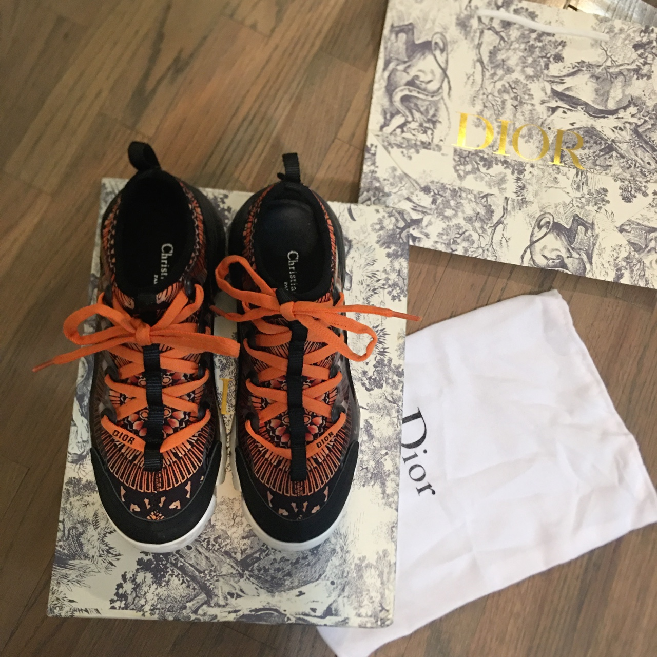 Product Image 1 - B22 Dior sneaker (price just