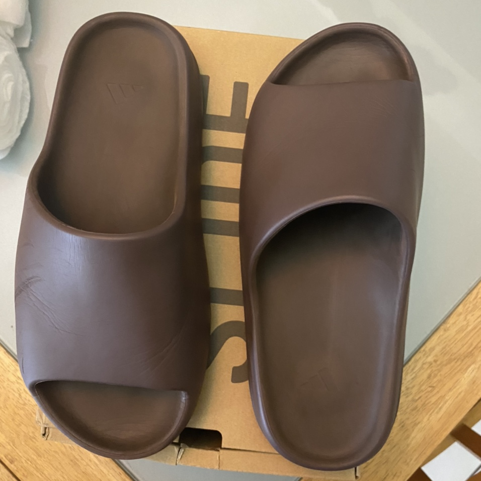 """Product Image 1 - Yeezy Slides """"Soot""""  Size 11"""
