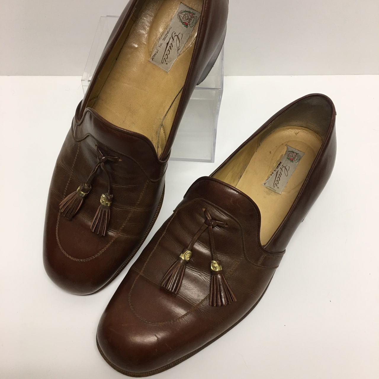 Product Image 1 - Vintage leather Gucci loafers Gold tone