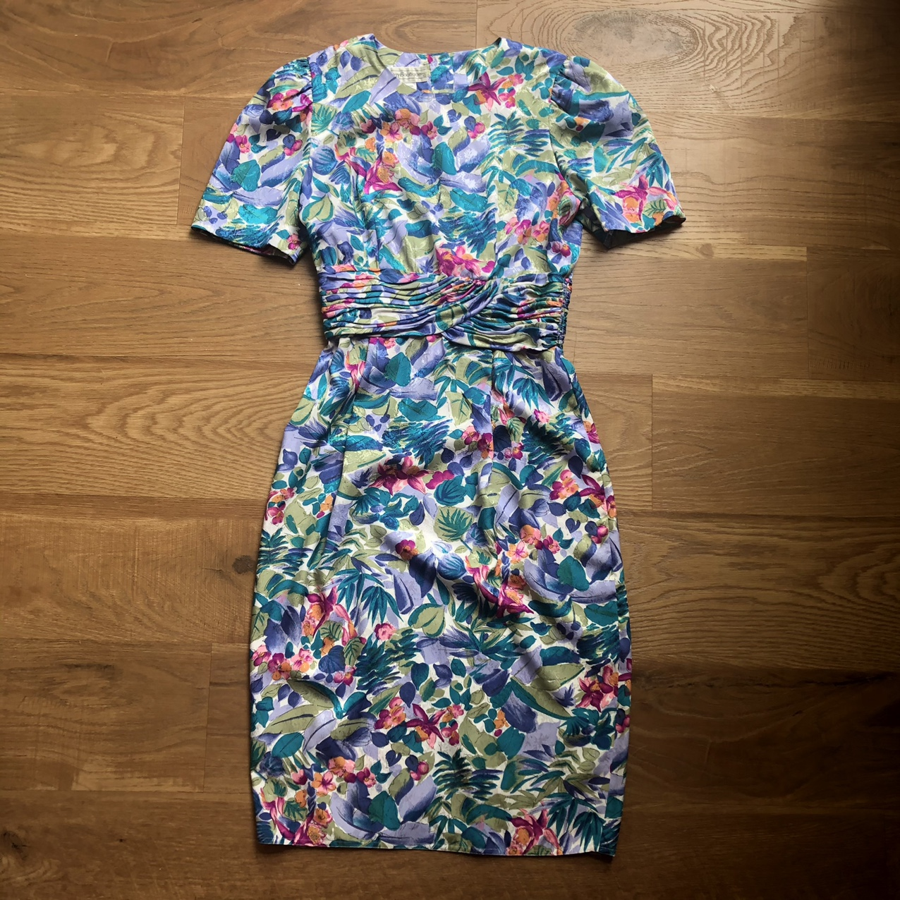 Product Image 1 - 🌺 Absolutely gorgeous vintage floral
