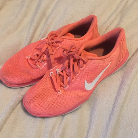 d8c4b316ca PRICE INCLUDES POSTAGE 💌 Peach coral pink nike gym trainers - Depop