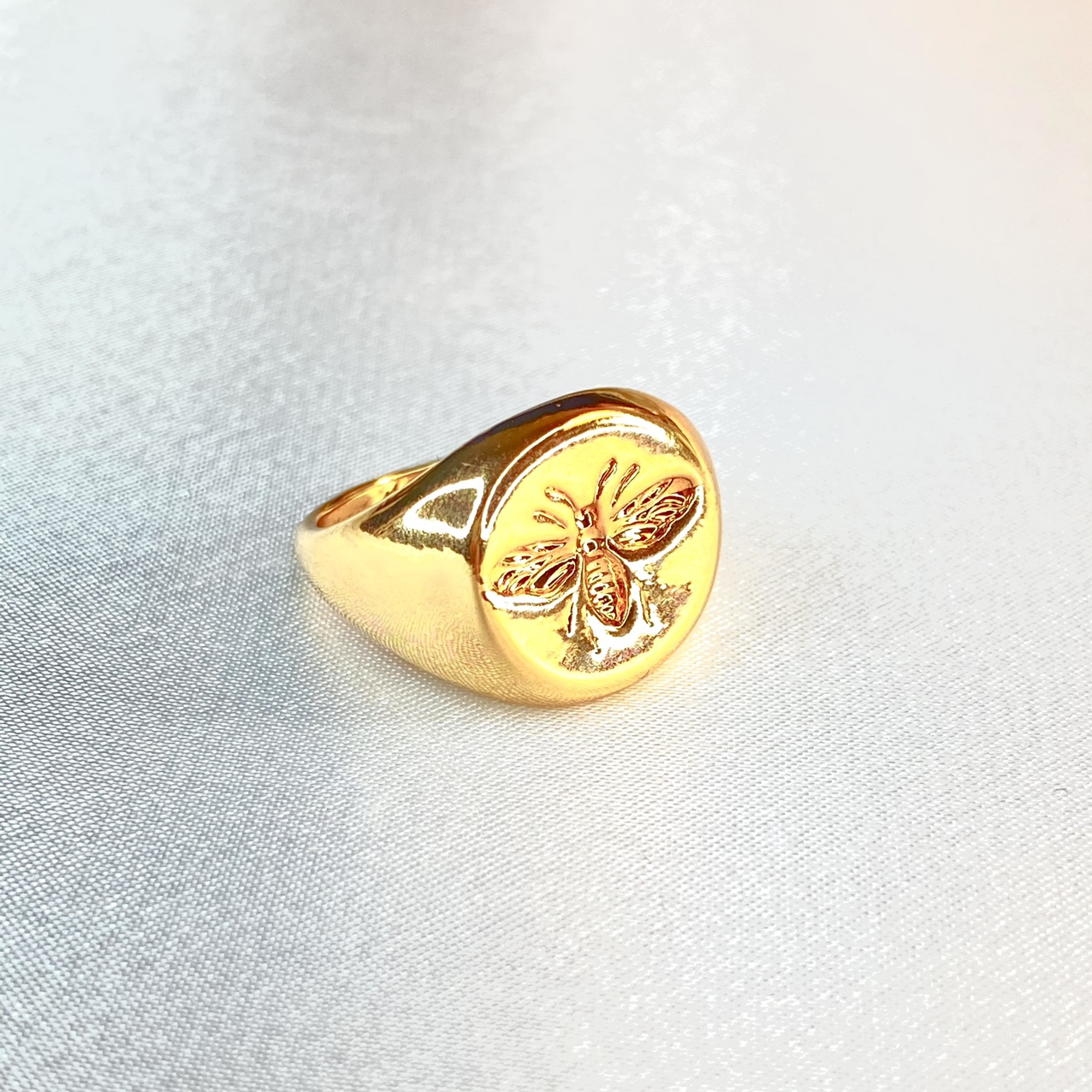 Product Image 1 - Gold Plated Bee Engraved Ring  ꕥ