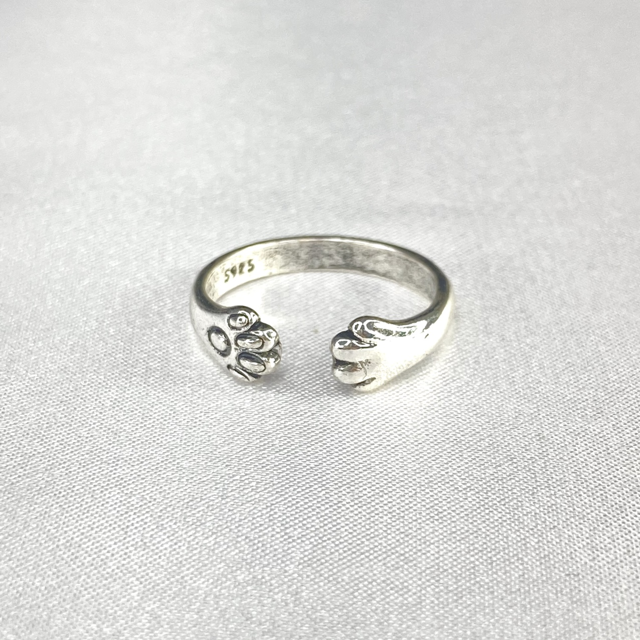 Product Image 1 - Silver Plated Paw Ring  ꕥ Size