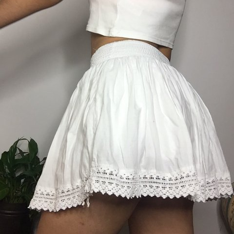 adda229bd3 🌈 FREE SHIPPING 🌈 💋 CLEARANCE 💋 ☁ gorgeousss 00s white - Depop
