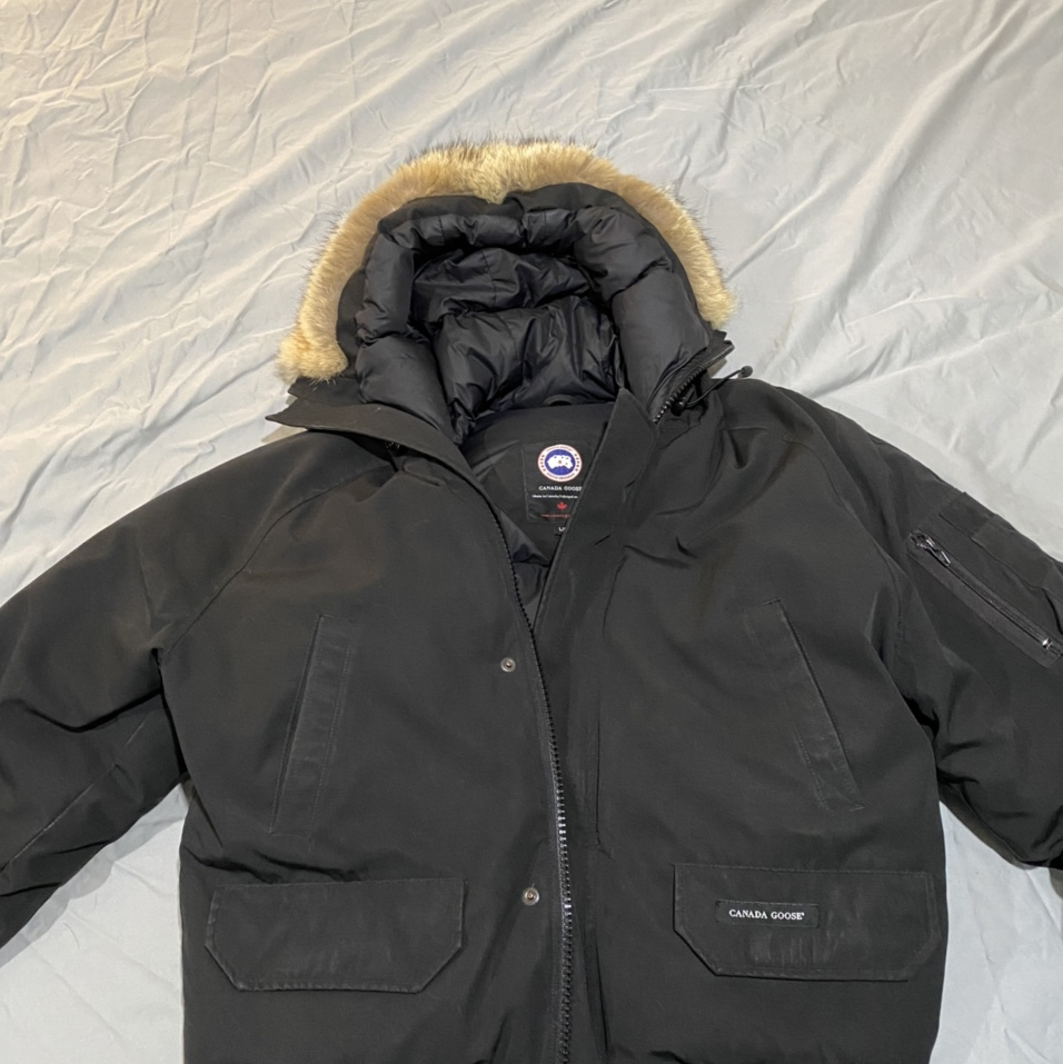 Product Image 1 - Canada Goose bomber jacket with