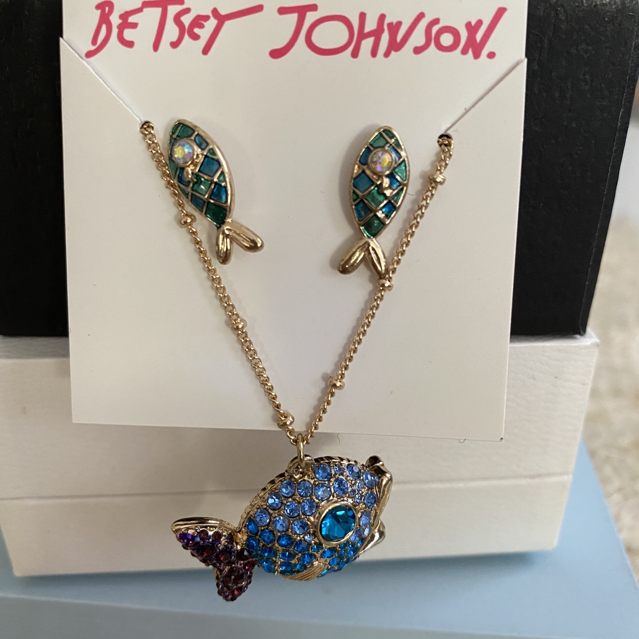 Product Image 1 - BETSEY JOHNSON NECKLACE AND EARRING