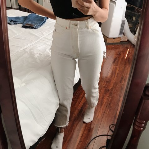 edf06465 Zara white straight leg high waisted jeans | only worn about - Depop