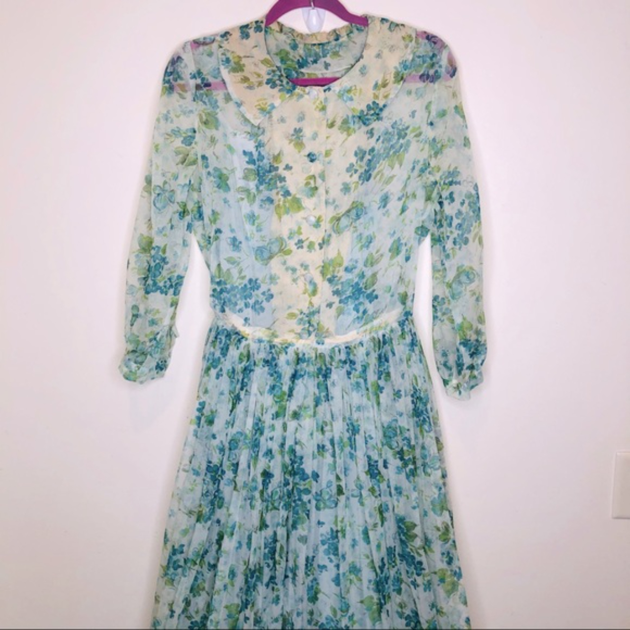 Product Image 1 - Beautiful and delicate sheer handmade