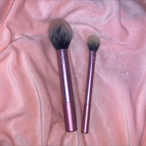 Product Image 1 - 2 real techniques makeup brushes.