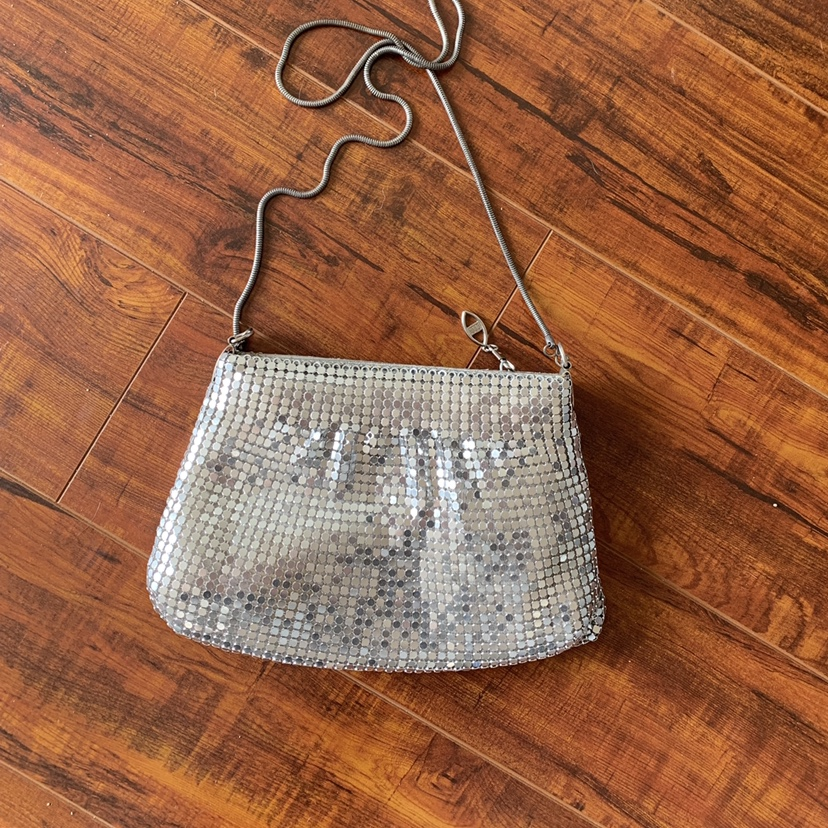 Product Image 1 - 🌟silver chainmail purse🌟 Great condition So cute