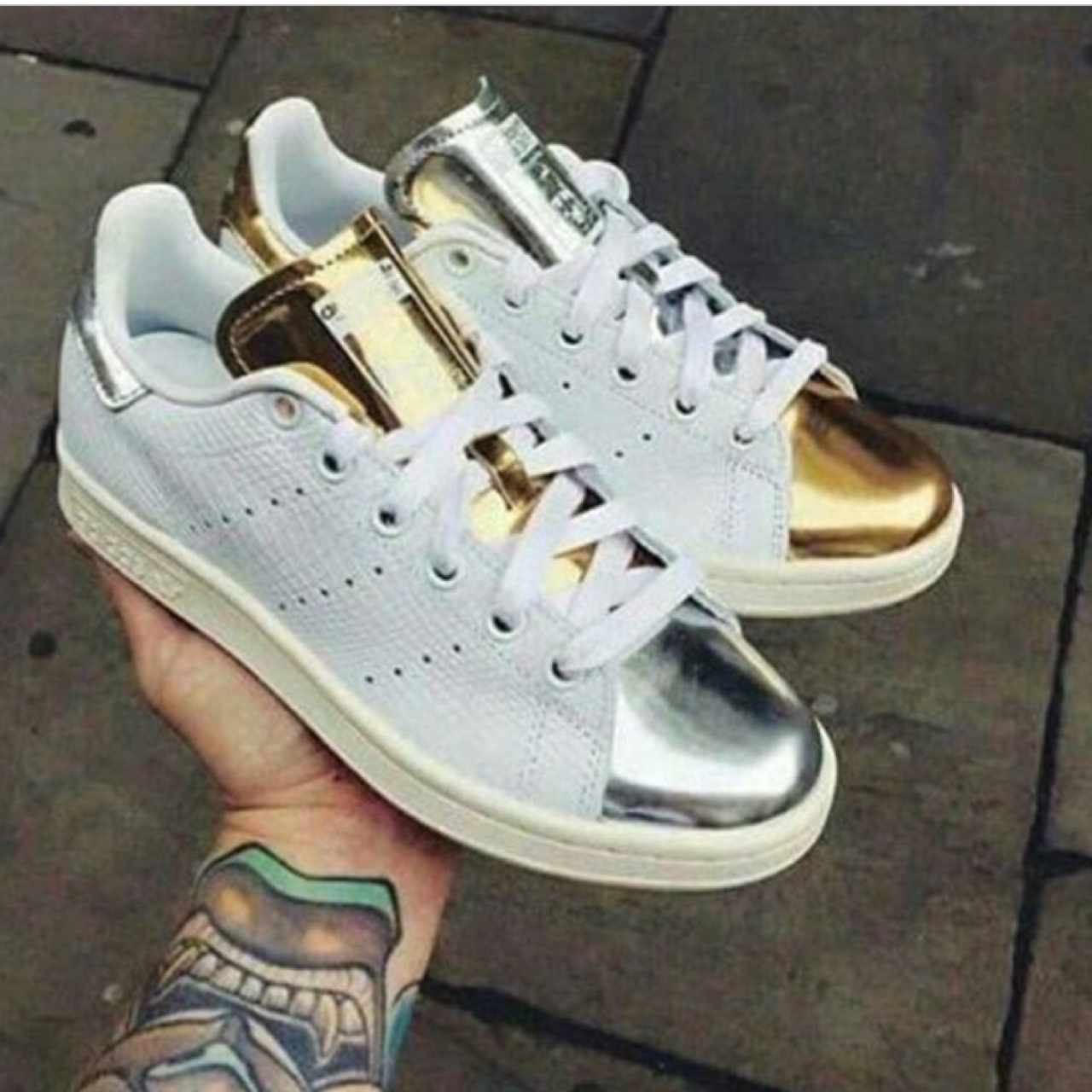 stan smith oro prezzo