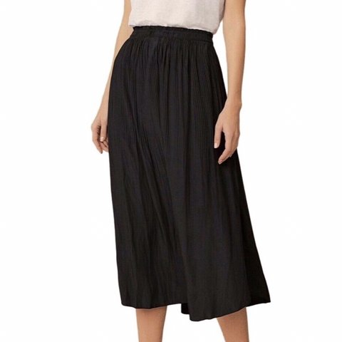 47c95fe6c @talia1991. last month. Waverley, Australia. WITCHERY soft pleat skirt
