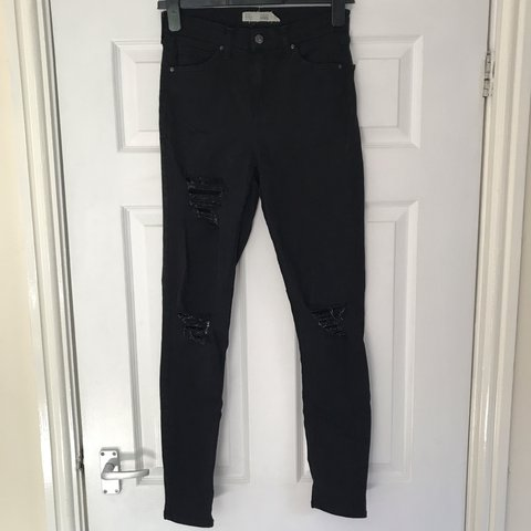 167a88d07a5 @abbyypaterson14. 12 days ago. United Kingdom. Topshop black ripped Jamie  jeans. Size ...