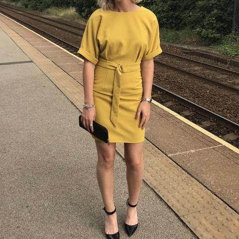 e03732dcebfa58 @millienewall. 14 hours ago. Leeds, United Kingdom. Selling this gorgeous  mustard/yellow dress ...