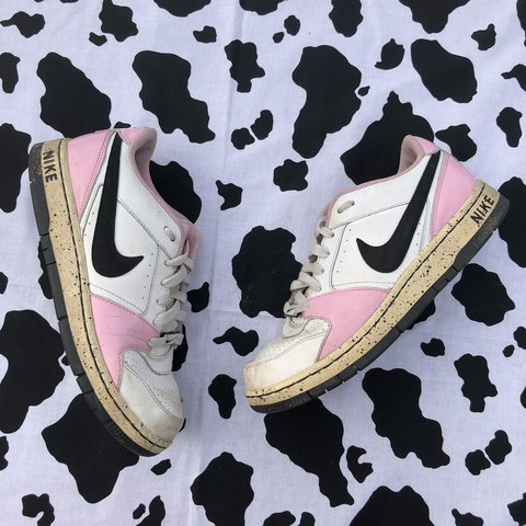 3134c6b268 FREE SHIPPING 🌹 2009 Nike Air Force 1 style sneakers. if or - Depop