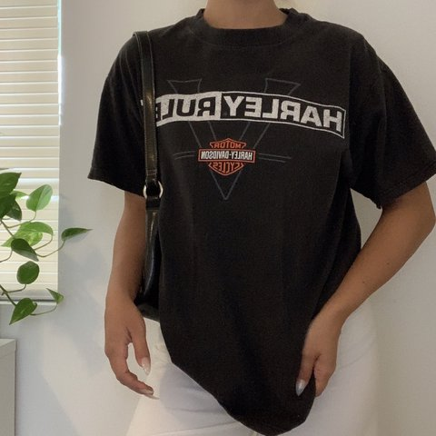 15cc6fc2 @laurenmarierios. in 4 hours. Los Angeles, United States. Vintage Harley  Davidson faded black T-shirt