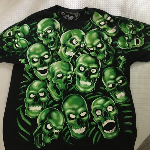 ee3cb4f46476 @isabelandrsn. 23 days ago. Reston, United States. Liquid blue juicy J  skull pile tee free shipping size XL