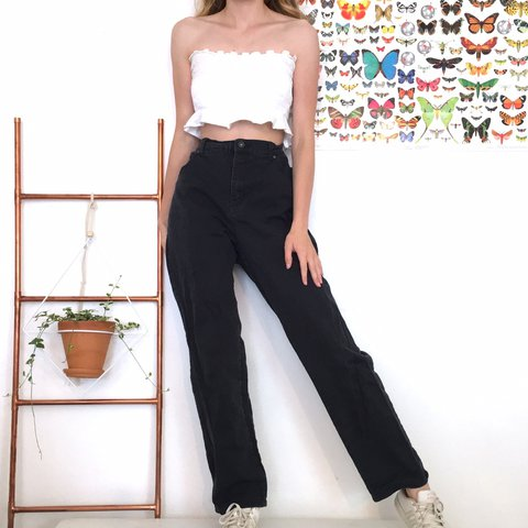8da72d2322ca @maggiekallery. 19 days ago. St. Louis, United States. Vintage High Waisted  Jeans. They're in great condition.