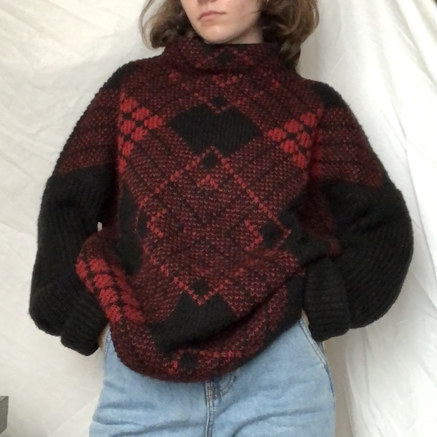 Product Image 1 - chunky red and black sweater