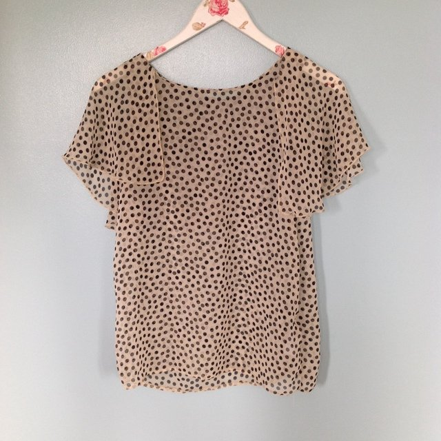New Look polka dot sheer top. Slight fraying as seen in second photo. Size 8 tall.