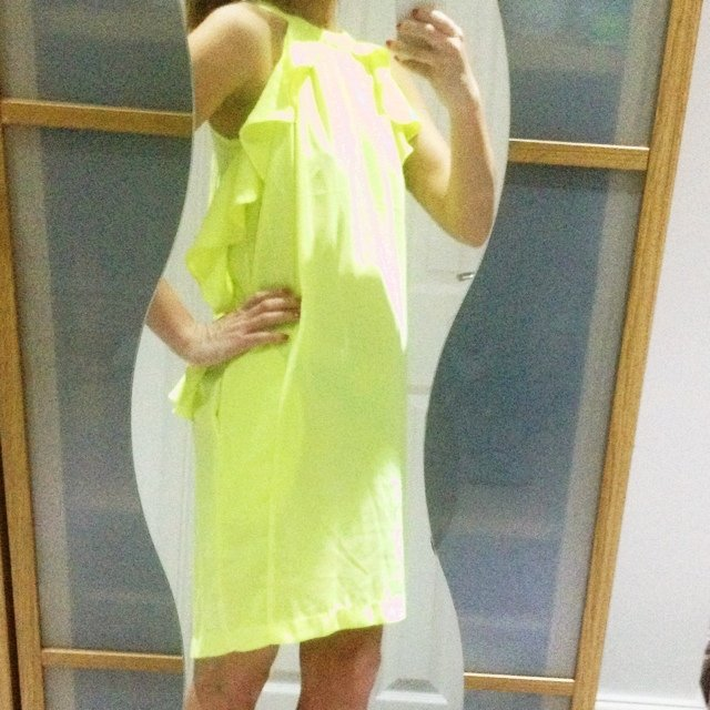 Neon H&m Conscious Collection