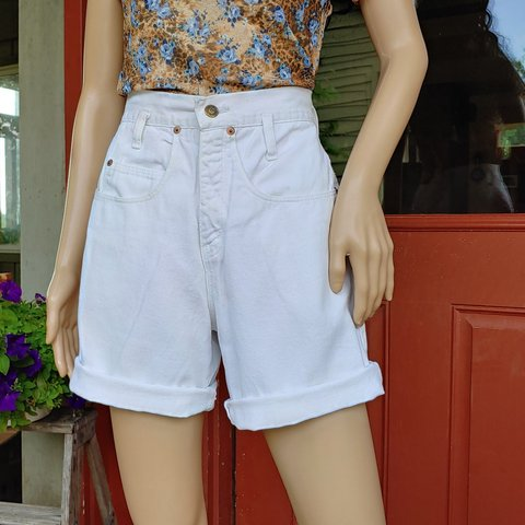 e57d7c94a5 @generationgapvintage. 6 hours ago. Pomeroy, Meigs County, United States. 🌈90'S  VINTAGE EXPRESS HIGH WAIST WHITE DENIM SHORTS🌈
