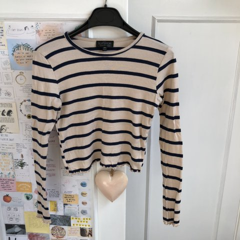 7a3d464fc07 @imogenp. 8 days ago. Swindon, United Kingdom. Topshop beige and navy  stripe long sleeve crop top ...