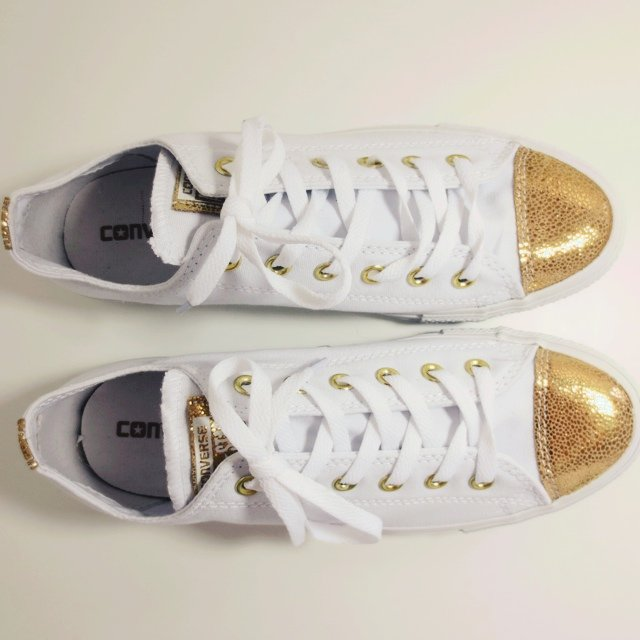 How To Buy Converse Shoes