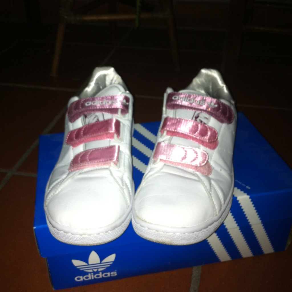 Nuove adidas stan smith in sara piras depop for Adidas nuove stan smith