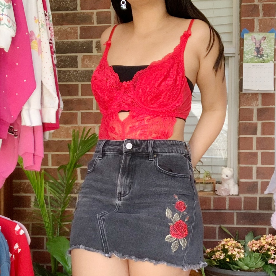 Product Image 1 - 🌹Grey/black rosey denim skirt by