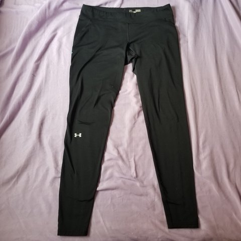 d42f0f4253612a Black Under Armour cold gear fitted leggings. Great for mild - Depop