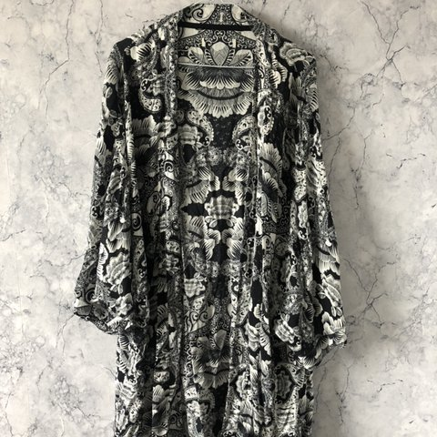 2fbe7c7662 @emmadevin. 3 days ago. Penicuik, United Kingdom. black and white floral  kimono / beach cover up, perfect condition ...