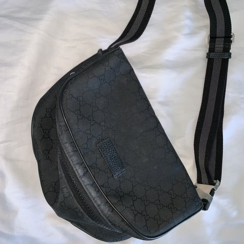 a7c3354b2 @finafr. 23 days ago. New York, United States. Gucci fanny pack. 100%  authentic.