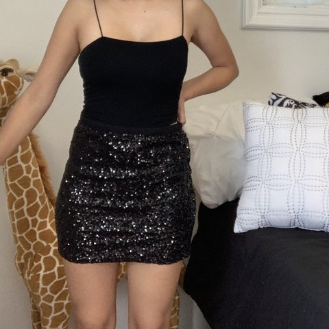 339c919527a6 Sequin Skirt Brand : Forever 21 Size : Small Color : black - Depop